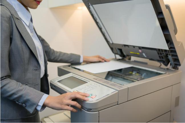Máy photocopy giúp gửi tài liệu dễ dàng